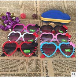 Discount heart shaped mirror sunglasses - Children Kids Sunglasses Fashion Heart Shaped Cute UV400 Designer Frame Eyewear Baby Girls Sunglasses
