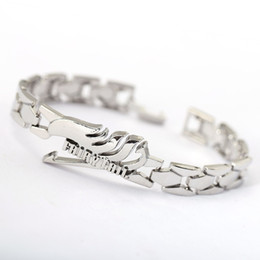 $enCountryForm.capitalKeyWord Australia - H& Hot Anime Silver Alloy Bracelets Fairy Tail Rotation wing charm bracelet Cosplay Accessories Metal Bangle can Drop-shipping
