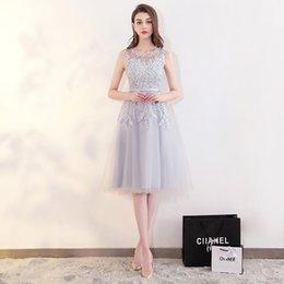 Ingrosso Nuovo arrivo elegante abito da sera abiti da ballo party senza maniche formale classico O-collo in pizzo perline stile sexy A-line