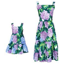 $enCountryForm.capitalKeyWord UK - Mom Girls Dress Mother Daughter Flower Dresses 2019 Summer Kids Girls Ball Gown Suspender Dress Women Party Dress Family Match Clothing D867