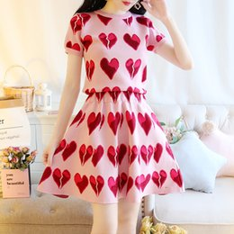 $enCountryForm.capitalKeyWord Canada - 2018 new fashion design women's o-neck short sleeve love heart print lurex patched knitted sweater shirt and short skirt twinset dress suit
