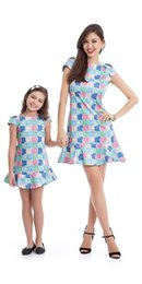 spring fashion looks Canada - Newest Mother and Daughter Summer Dress Family Matching Outfit Girls Animal Printing Mum And Me Dress Blue Family Look