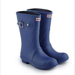 China Candy Color Women Waterproof Rain Boots Spring Autumn Mid-calf Rainshoes Designer Wellies Girls Ladies Fashion Rubber Low Heel Rainboots New supplier flat heel rain boots suppliers
