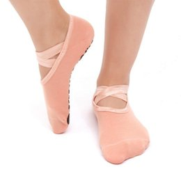 women dance sports UK - Women Yoga Socks Non Slip Skid Pilates Dance Socks Low Cut Breathable Sports Fitness