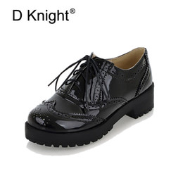 $enCountryForm.capitalKeyWord Canada - New Fashion Round Toe Lace Up Women Oxfords Vintage Carved Brogue Oxford Shoes For Women Ladies Casual Flat Shoes Big Size 34-43