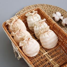 Großhandel Fabrik direkt Neugeborenen farbigen Baumwolle Jacquard Anti-Kratz-Handschuhe 0-1 T Baby Handschuhe Kinderschutz Fingerlose tragen Baby Fäustlinge
