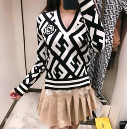 Men s white wool cardigan online shopping - 2018 early autumn new men and women black and white diamond lattice single breasted V neck knitted cardigan sweater coat female