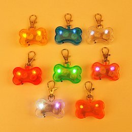 Wholesale Hot LED Dog Pendant Light Emitting Pet Safety Pendant style flash pendant fast shopping jc