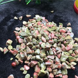 crystal chips NZ - wholesale 50g Natura Flowers green treasure Crystal Stone Rock Chips Specimen Lucky crystal love natural stones and minerals Fish Tank stone