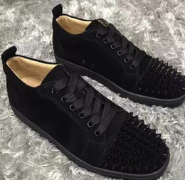 Wholesale Men s Sneaker Shoes Party Dress Wedding Low Top Junior Spikes Red Bottom Glitter Leather Shoes Luxury Red Sole Leisure Outdoor Flats EU35