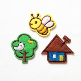 $enCountryForm.capitalKeyWord Canada - Embroidered cloth patch Bee tree house appliques Back gum Ironing sewing decorative patch kids T-shirt jeans clothing accessories DL_CPIA002