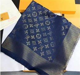 Sciarpa del triangolo delle donne di alta qualità 140 * 140cm alla moda brillante brillante filo d'oro cachemire misto tessitura, in Offerta