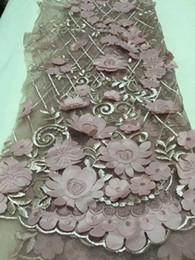 2547f86dcb El último cordón de tul africano 2018 tela de encaje neto francés para la  boda de moda bordado tela de encaje africano para el vestido CDN49