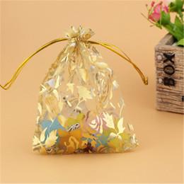 Ingrosso 100pcs oro metallizzato fiore rosa borse organza 9x12cm bomboniere gioielli regali caramelle sacchetto di imballaggio rosa design organza sacchetto del regalo sacchetti