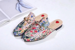 Shoes Metal Print Australia - Top Quality Letter Printing Flowers Star Metal Buckle flip flop Genuine leather Woman Graffiti Casual Slippers Shoes 35-42 With Box