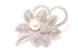 Discount gold diamante flower brooch - 500pcs Vintage Look White Gold Clear Rhinestone Crystal Diamante Cream Pearl Center Flower and Bow Wedding Bouquet Brooc