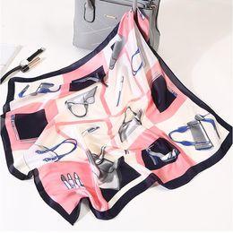 $enCountryForm.capitalKeyWord Canada - Silk Scarf Women 70*70 Ladies Scarves Small Squares The New Multi-functional Small Scarves Decorative Scarves Handbag print