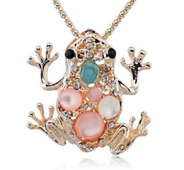 $enCountryForm.capitalKeyWord Australia - Hottest Auspicious Lucky Frog Toad Crystal Sweater Chain Long Chain Animal Pendant Necklace Jewelry X505