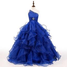Venta al por mayor de Royal Blue Girls vestido del desfile de un hombro cristales perlas volantes de organza vestido de bola Niñas vestidos de fiesta de cumpleaños de tamaño personalizado