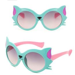 7ab7f60c76 2017 Nueva Historieta Fox Gafas de Sol Niños Viajan al Aire Libre Gel de Sílice  Gafas de Sol Gafas de Color de Caramelo Oculos De Sol