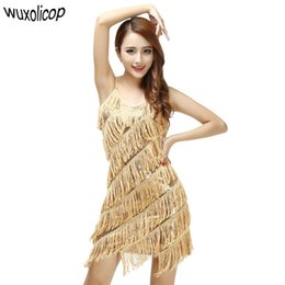 32c67c9163 Woman 1920s Vintage Great Gatsby Party Sequin Dress Sexy V-Neck Summer Cami  Dress Gold Fringe Dress Vestidos Flapper Costumes Y1890703