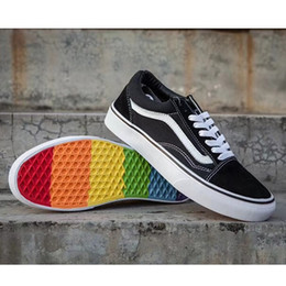 13eb5b9169bb95 New Designer Sneakers Old Skool High Low-top CLASSICS Unisex Mens  women  Skateboarding Shoes Rainbow Bottom Sports Canvas Shoes