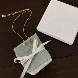 Gold necklace boxes pearls online shopping - Popular fashion brand Letter Pearl Bracelet Necklace for lady Design Women Party Wedding Luxury Jewelry With for Bride with BOX