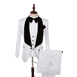 China Latest Design Shawl Lapel White One Button Wedding Groom Tuxedos Men Suits Wedding Prom Dinner Best Man Blazer(Jacket+Tie+Vest+Pants) m115 cheap wedding royal suppliers