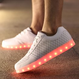 Ladies Breathable White Led Shoes Men Casual Glowing Shoes Adults Luminous Sneakers Young Couples Sneakers With Usb Charging Shoes