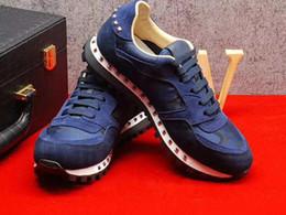 Venta al por mayor de Diseñador de alta calidad de camuflaje Camo Suede tachonado Zapatillas de deporte mujeres, hombres zapatillas Casual Walking Flats 35-44 sin caja