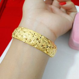 Womens Gold Bangle 18k NZ - Vintage Style Star Carved Bangle 18k Yellow Gold Filled Classic Womens Cuff Bangle Bracelet Dia 60mm