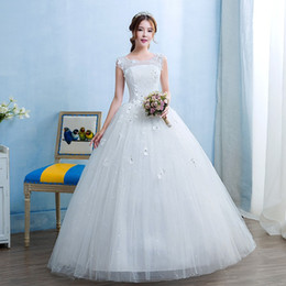 Perfect Ball Gowns NZ - Grils New Spring and Summer O-neck Perfect Fashion Lace Ball Gown Wedding Dress 2018 Bride Dresses Vestido De Noiva with Flower