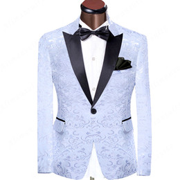 EvEning dinnEr wEar online shopping - White and Black Wedding Groomsmen Tuxedos for Groom Wear Peaked Lapel One Button Two Piece Evening Dinner Men Suits Jacket Black Pants