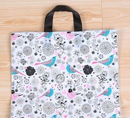 China New thick-top bird picture clothing bag gift shopping convenience bag wholesale 33cm * 25cm + bottom 6cm suppliers