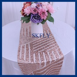Chinese  RU007A New arrival 2017 Wedding sequence rose gold new pattern sequin table runner manufacturers