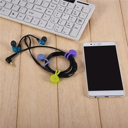 $enCountryForm.capitalKeyWord Australia - 2018 Free shipping Soft silicone Magnetic cable wrap Magnet Earphone Headphone Cord Wire Holder Organizer Lavalier Clips Cable Winder