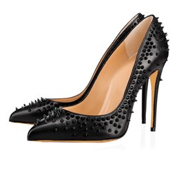 China Black Rivet Sharp Heels Sexy Fashionable Career Shoes 2018 Hot Sale American and European Sexy Pointed Toe Party Fashion Drop Shopping supplier sexy fashionable shoes suppliers
