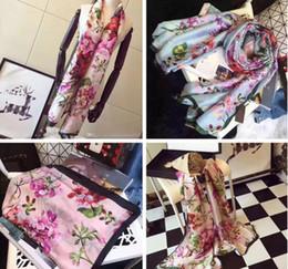 21c24733d4f25 Designer Foulard en soie pour Femmes 2018 Printemps De Luxe Marque Floral  Fleur Longues Écharpes Wrap
