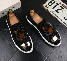 $enCountryForm.capitalKeyWord Canada - New Spring Summer Rhinestone Shoes Men Casual Shoes Fashion Tiger Head Slip-on Loafers Man Comfortable Round Toe Flats Shoes