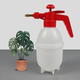 e09a8e1bbb6 Pulverizador químico de 800 ml Pulverizador de presión portátil Botella de  riego de agua de plástico Pulverizadores de agua Hmoe Garden Tools 3 8dt bb