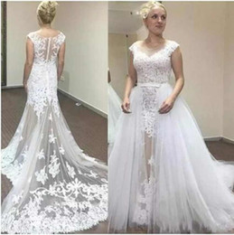 Discount sexy long tail wedding dresses - Customized Size White Sexy Wedding Dresses Scoop Neck Detachable train Sleeveless Lace Appliques Long Tail Charming Wedd
