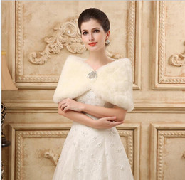 Wedding coats for bridesmaids online shopping - Princess Faux Fur Bridal Shrug Wrap Cape Stole Shawl Bolero Jacket Coat Crystal For Winter Wedding Bride Bridesmaid Dresses Real Image