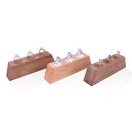 $enCountryForm.capitalKeyWord UK - Raw Wood Ring Display Stand Walnut Beech Jewelry Wedding Finger Rings Presenter for Boutique Counter Showcase Shelf Trade Show Exhibition
