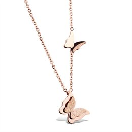 Roses butteRflies online shopping - Rose Gold Plated Stainless Steel Double Butterfly Necklace For Women Short Clavicular Chain Fashion Jewelry Party Gift OGX996