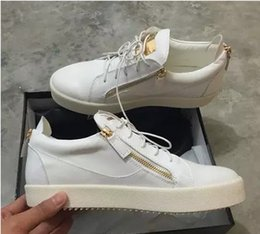 Metal Sneakers Australia - luxury men casual shoes mens trainers brand new women sneakers with Metal decoration rivet Patent leather Double zipper high top shoes198001