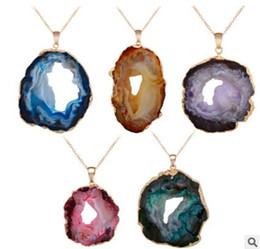 $enCountryForm.capitalKeyWord UK - Natural stone Onyx Pendant gilded CRYSTAL GEODE stone edge bud cluster crystal crystal necklace trade hot