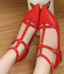 Fashionable Flat Shoes Laces Canada - Rivet shoe female flat heel shoe pinhead sexy flat heel shoe black patent leather shoes fashionable