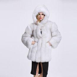 af08c2ad25 2018 Barato abrigo de piel largo con mangas de invierno con capucha moda  mujer Faux Fox abrigos de piel Furry mujer chaqueta de piel sintética más  tamaño ...