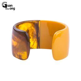 GuanLong Marque Design Mode Lucite Résine Manchette Bracelets Bracelets Pour Femmes High Street Bijoux Bracelet 10 Couleurs en Solde