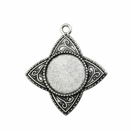 Blank Necklace Base UK - 12 Pieces Cabochon Cameo Base Tray Bezel Blank Supplies For Jewelry Lucky Clover Inner Size 20mm Round Necklace Pendant Setting